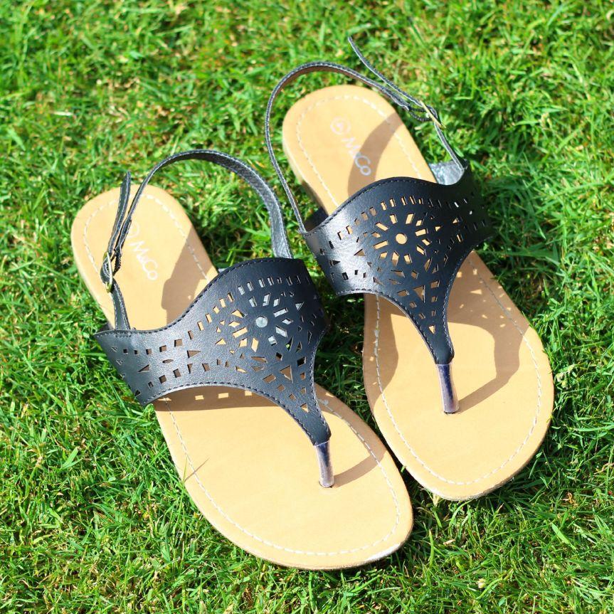 M&co-sandals